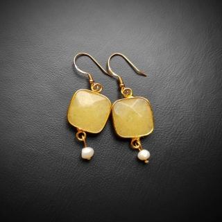 Gold plated silver earrings with yellow achatis stone Code: EYEAX1002 Price: From 14,90 - > 12,90€ ______________________________ Ασημένια επιχρυσωμένα σκουλαρίκια με κίτρινη φυσική πέτρα αχάτη Κωδικός: EYEAX1002  Τιμή: Από 14,90 - > 12,90€ ______________________________ #jcmacrame #juliascollection #macrame  #macramejewelry #achatis #earrings #silverearrings  #macramelove #macramedesign  #yellow #gold #stones #gems #loveit #loveblue #❤️