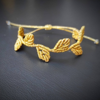 Gold macrame bracelet with leafs Code: BL1002 Price: 14.20€ ______________________________ Μακραμέ βραχιόλι με μικρά φύλλα σε χρυσό χρώμα  Κωδικός: BL1002 Τιμή: 14.20€ ______________________________ #jcmacrame #juliascollection #macrame #macramejewelry #macramebracelet #bracelet #braceletoftheday #macramelove #macrameflower #macrameleaf #leaf #macramedesign #green #lightgreen #gold #flowers #leafs #loveit #❤️