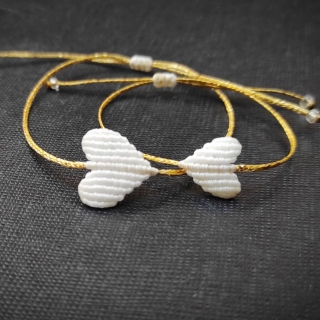 Gold macrame mum and daughter set with white heart Code: GS1008 ______________________________ Χρυσό μακραμέ σετ μαμά κόρη με λευκή καρδιά Κωδικός: GS1008 ______________________________ #jcmacrame #juliascollection #macrame #hearts #macramehearts #macramejewelry #macramebracelet #bracelet #braceletoftheday #macramelove #macramedesign #white #whitemacrame #whiteheart #whiteonly #loveit #❤️ #mumanddaughter #daughter #macrameset