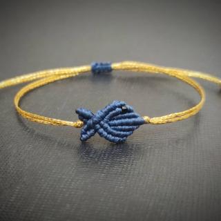 Gold macrame bracelet with dark blue fish Code: FISHG2004 Price: From 10€ to 7€ ______________________________ Χρυσό μακραμέ βραχιόλι με σκούρο μπλε ψάρι Κωδικός: FISHG2004 Τιμή: Από 10€ μόνο 7€ ______________________________ #jcmacrame #juliascollection #macrame #macraméfish #fish #macramejewelry #fishes #macramebracelet #bracelet #braceletoftheday #macramelove #macramedesign #blue #darkblue #bluefish #bluejewelry #bluemacrame #loveblue #blueonly #loveit #❤️