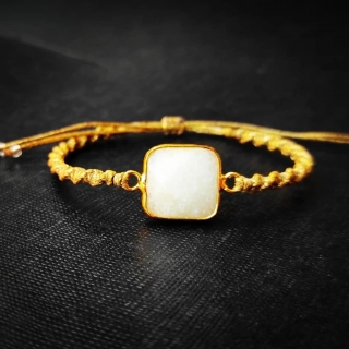 Gold macrame bracelet with white achatis stone Code: BWHAX1003 Price: From 14,90€ - > 8, 20€  ______________________________ Χρυσό μακραμέ βραχιόλι με άσπρη φυσική πέτρα αχάτη Κωδικός: BWHAX1003 Τιμή: Από 14,90€ - > 8, 20€  ______________________________ #jcmacrame #juliascollection #macrame #macraméfish #fish  #macramejewelry #fishes #mermaid #shell #macramebracelet #bracelet #braceletoftheday #macramelove #macramedesign #white #lovewhite #gold #stones #gems #loveit #❤️