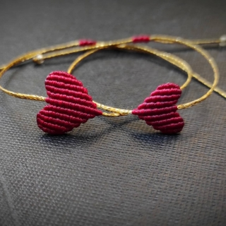 Gold macrame mum and daughter set with dark red heart Code: GS1007 ______________________________ Χρυσό μακραμέ σετ μαμά κόρη με καρδιά σε σκούρο κόκκινο χρώμα Κωδικός: GS1007 ______________________________ #jcmacrame #juliascollection #macrame #hearts #macramehearts #macramejewelry #macramebracelet #bracelet #braceletoftheday #macramelove #macramedesign #red #redmacrame #redheart #redonly #loveit #❤️ #darkred #redset #mumanddaughter #daughter #macrameset