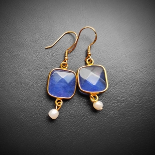 Gold plated silver earrings with blue achatis stone Code: EBLAX1001 Price: From 14,90 - > 12,90€ ______________________________ Ασημένιαεπιχρυσωμένα σκουλαρίκια με μπλε φυσική πέτρα αχάτη Κωδικός: EBLAX1001  Τιμή: Από 14,90 - > 12,90€ ______________________________ #jcmacrame #juliascollection #macrame  #macramejewelry #achatis #earrings #silverearrings  #macramelove #macramedesign  #blue #gold #stones #gems #loveit #loveblue #❤️
