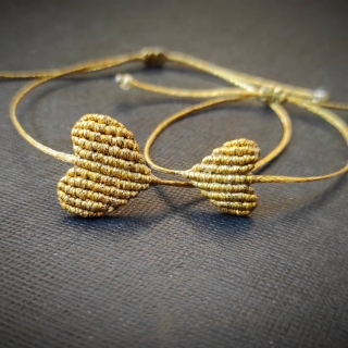 Gold macrame mum and daughter set with gold heart Code: GS1005 ______________________________ Χρυσό μακραμέ σετ μαμά κόρη με χρυσή καρδιά Κωδικός: GS1005 ______________________________ #jcmacrame #juliascollection #macrame #hearts #macramehearts #macramejewelry #macramebracelet #bracelet #braceletoftheday #macramelove #macramedesign #gold #goldset #goldmacramebracelet #loveit #❤️ #purpleset #mumanddaughter #daughter #macrameset