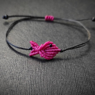 Black macrame bracelet with fuksia fish Code: FISHB1002 Price: From 10€ to 7€ ______________________________ Μαύρο μακραμέ βραχιόλι με φουξια ψάρι Κωδικός: FISHB1002 Τιμή: Από 10€ μόνο 7€ ______________________________ #jcmacrame #juliascollection #macrame #macraméfish #fish #macramejewelry #fishes #macramebracelet #bracelet #braceletoftheday #macramelove #macramedesign #fuksia #pink #pinkfish #pinkjewelry #pinkmacrame #lovepink #pinkonly #loveit #❤️ #🐟