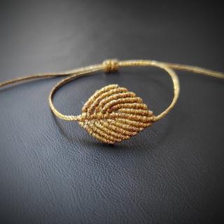 Gold macrame bracelet with gold leaf Code: LEAF1001 Price: from 11.90€ only 9.90€ ______________________________ Χρυσό μακραμέ βραχιόλι με χρυσό φύλλο  Κωδικός: LEAF1001 Τιμή: από 11.90€ μόνο 9.90€ ______________________________ #jcmacrame #juliascollection #macrame #macramejewelry #macramebracelet #bracelet #braceletoftheday #macramelove #macrameflower #macrameleaf #leaf #macramedesign #green #darkgreen #gold #flowers #leafs #loveit #❤️