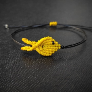 Black macrame bracelet with yellow fish Code: FISHG1005 Price: From 10€ to 7€ ______________________________ Μαύρο μακραμέ βραχιόλι με κίτρινο ψάρι Κωδικός: FISHG1005 Τιμή: Από 10€ μόνο 7€ ______________________________ #jcmacrame #juliascollection #macrame #macraméfish #fish #macramejewelry #fishes #macramebracelet #bracelet #braceletoftheday #macramelove #macramedesign #yellow #yellowfish #yellowjewelry #yellowmacrame #loveyellow #yellowonly #loveit #❤️ #🐟