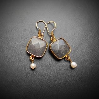 Gold plated silver earrings with grey achatis stone Code: EBRAX1003 Price: From 14,90 - > 12,90€ ______________________________ Ασημένια επιχρυσωμένα σκουλαρίκια με γκρι φυσική πέτρα αχάτη Κωδικός: EBRAX1003  Τιμή: Από 14,90 - > 12,90€ ______________________________ #jcmacrame #juliascollection #macrame  #macramejewelry #achatis #earrings #silverearrings  #macramelove #macramedesign  #grey #gold #black #lightblack #stones #gems #loveit #loveblue  #❤️