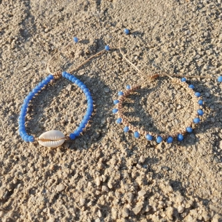 Summer macrame bracelet set with white shell and blue glass beads Code: SHELLS4002 Price: From 9€ to 6.20€ only  ______________________________ Καλοκαιρινό μακραμέ σετ βραχιολιών με κοχύλι και μπλε γυάλινες χάντρες Κωδικός: SHELLS4002 Τιμή: Από 9€ μόνο 6.20€ ______________________________ #jcmacrame #juliascollection #macrame #macrameshell #shell  #macramejewelry #shells #macramebracelet #bracelet #braceletoftheday #macramelove #macramedesign #white #whiteshell #bluejewelry #bluemacrame #loveblue #blue  #blueonly #babyblue #navyblue #loveit #❤️
