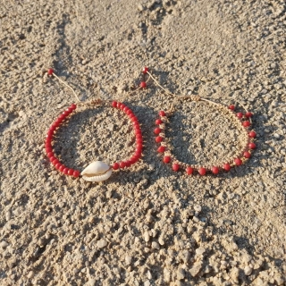 Summer macrame bracelet set with white shell and red glass beads Code: SHELLS4003 Price: From 9€ to 6.20€ only  ______________________________ Καλοκαιρινό μακραμέ σετ βραχιολιών με κοχύλι και κόκκινες γυάλινες χάντρες Κωδικός: SHELLS4003 Τιμή: Από 9€ μόνο 6.20€ ______________________________ #jcmacrame #juliascollection #macrame #macrameshell #shell  #macramejewelry #shells #macramebracelet #bracelet #braceletoftheday #macramelove #macramedesign #white #whiteshell #redjewelry #redmacrame #lovered #red  #redonly #redset #loveit #❤️