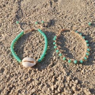 Summer macrame bracelet set with white shell and petrol glass beads Code: SHELLS4005 Price: From 9€ to 6.20€ only  ______________________________ Καλοκαιρινό μακραμέ σετ βραχιολιών με κοχύλι και πετρολ γυάλινες χάντρες Κωδικός: SHELLS4005 Τιμή: Από 9€ μόνο 6.20€ ______________________________ #jcmacrame #juliascollection #macrame #macrameshell #shell  #macramejewelry #shells #macramebracelet #bracelet #braceletoftheday #macramelove #macramedesign #white #whiteshell #greenjewelry #greenmacrame #lovegreen #green #petrolmacrame #petrol #greenonly #loveit #❤️