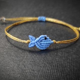 Gold macrame bracelet with light blue fish Code: FISHG2006 Price: From 10€ to 7€ ______________________________ Χρυσό μακραμέ βραχιόλι με γαλάζιο ψάρι Κωδικός: FISHG2006 Τιμή: Από 10€ μόνο 7€ ______________________________ #jcmacrame #juliascollection #macrame #macraméfish #fish #macramejewelry #fishes #macramebracelet #bracelet #braceletoftheday #macramelove #macramedesign #blue #bluefish #bluejewelry #azurro #bluemacrame #loveblue #lightblue #yellowonly #loveit #❤️ #🐟