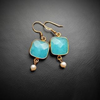 Gold plated silver earrings with light blue achatis stone Code: ELBAX1004 Price: From 14,90 - > 12,90€ ______________________________ Ασημένια επιχρυσωμένα σκουλαρίκια με γαλάζια ημιπολυτιμη πέτρα αχάτη Κωδικός: ELBLAX1004  Τιμή: Από 14,90 - > 12,90€ ______________________________ #jcmacrame #juliascollection #macrame  #macramejewelry #achatis #earrings #silverearrings  #macramelove #macramedesign #lightblue #blue #gold #stones #gems #loveit #loveblue #❤️