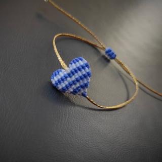 Gold macrame bracelet with heart in white and blue color  Code: GR1004 Price: From 12,90€ -> 7,80€ ______________________________ Χρυσό μακραμέ βραχιόλι με καρδιά σε λευκό και μπλε χρώμα  Κωδικός: GR1004 Τιμή: Από 12,90€ -> 7,80€  ______________________________ #jcmacrame #juliascollection #macrame #macramegreece #greece🇬🇷 #greece #hellas #handmade #handmadegreece #lovegreece #28oct #28october #handmadejewelry #1940 #🇬🇷 #🇨🇾 #flag #heart #blue #white #gold #shoponline #sales #💙